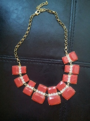 red chunky necklace, bauble bar