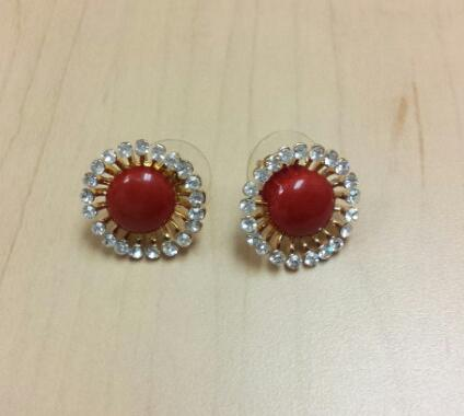 red earrings, work accessories, coloured accessories